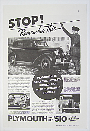1935 Plymouth with Cop That Has Hand Up (Image1)