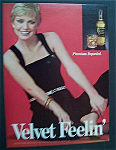 1980  Black  Velvet  Whiskey (Image1)