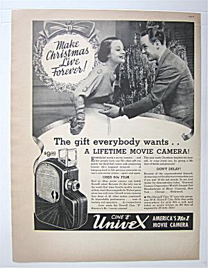 1937 Cine 8 Univex Movie Camera w/ Couple At Christmas (Image1)