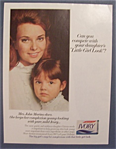 1968 Ivory Soap with a Lovely Woman & Little Girl (Image1)