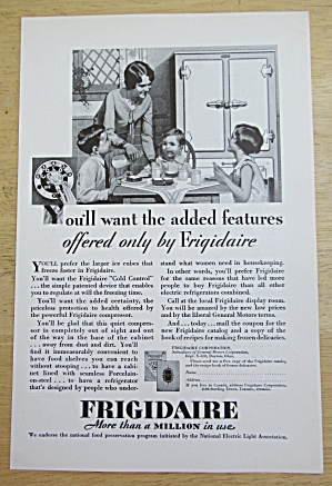1929 Frigidaire with Mom & Children at Kitchen Table  (Image1)
