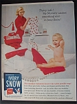 1958 Ivory Snow with Woman Folding Clothes