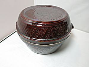 Stoneware Covered Casserole Dish USA cover can be Pie Plate  (Image1)