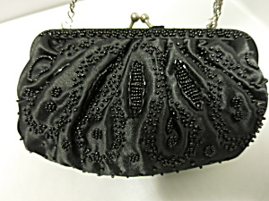 La Regaie Black Beaded Clutch Purse Silver Chain Drop