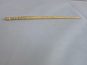 Antique Bone Crochet Hook Hand Carved (Image1)