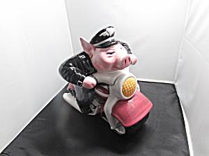 Road Hog Cookie Jar Clay Art Pig Motorcycle 1996 (Image1)