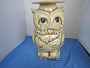 Twin Winton Ceramic Wise Owl Cookie Jar Graduate (Image1)