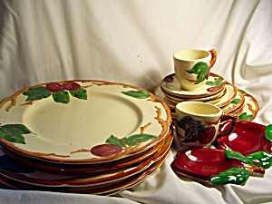 Franciscan Apple China 17 piece lot (Image1)