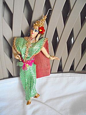 Vintage Oriental Cloth Doll Ornate (Image1)