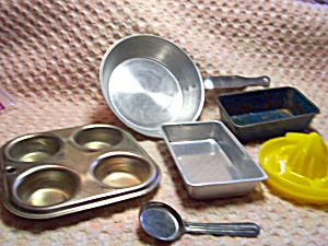 Vintage Toy Cooking Set Lot of Pieces (Image1)