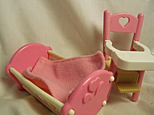 Dollhouse Cradle and High Chair Fisher Price (Image1)