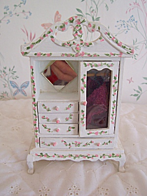 Dollhouse Wood Armoire Painted (Image1)