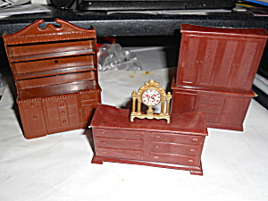 Dollhouse Dining Room Furniture And Clock 4
