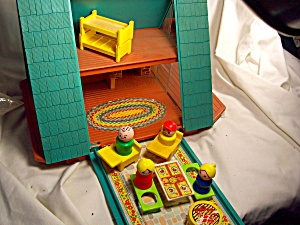 Fisher Price A Frame House w/ Access. (Image1)
