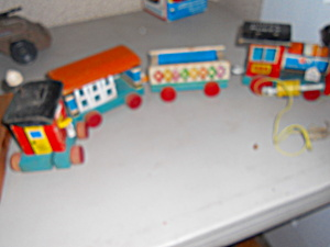 Fisher Price Huffy Puffy Train no 999 (Image1)