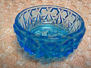 Blue Glass Salt Cellar Dish (Image1)