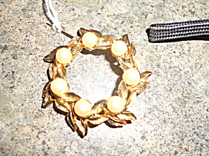 Leaf Wreath Pin with Faux Pearls Gold Tone  (Image1)