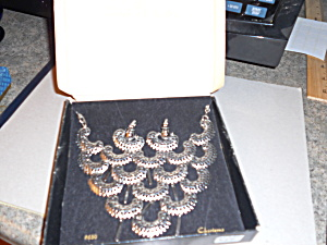 Sarah Coventry Necklace  Earring Set  (Image1)