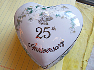 Lefton 25th Anniversary Heart Trinket Box (Image1)