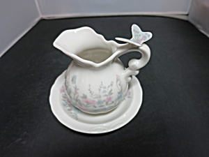 Vintage Miniature Pitcher and Bowl Creamer set Butterfly Handle (Image1)