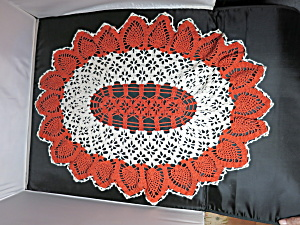 Vintage Crochet Doily Oval Pineapple orange cream 27 X 21 inch (Image1)