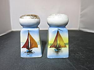 Vintage Sailboat salt and pepper shakers Japan (Image1)