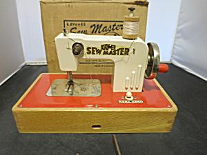 KAY an EE Sew Master Sewing Machine (Image1)