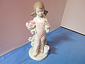 Lladro Figurine Spring Girl with Bird 1983 (Image1)