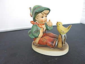 Singing Lesson Hummel Goebel Figurine (Image1)