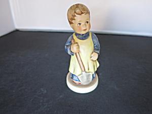 Hummel Goebel Garden Treasures Club Membership figurine (Image1)