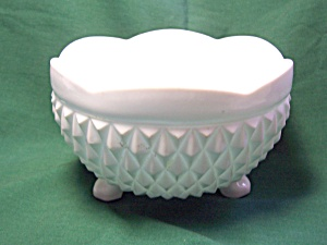 Milk Glass Footed Bowl with Diamond Pattern (Image1)