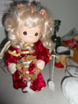Precious Moment Song of Love Doll 1989 (Image1)