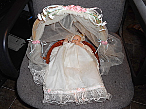Musical Porcelain Baby Doll Jesus Loves Me (Image1)