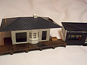 Plasticville Train Set Buildings Set Of 2
