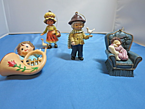 Wang Christmas Ornament Chair Boy Angel Musical Set