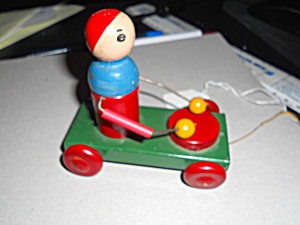Gold Medal Play Woodie Pull Toy With Label
