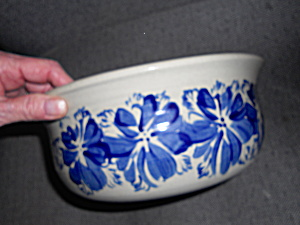 Williamsburg Pottery Serving Bowl Blue Glazed (Image1)