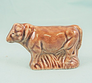 Wade Whimsies Farmyard 1982 Brown Bull