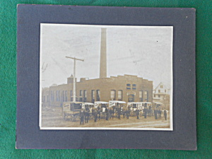 Early Employee Photo Troy Laundry Co. OHIO  (Image1)