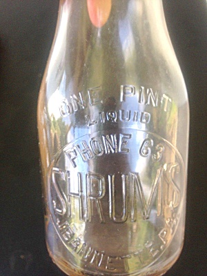 Shrum's Pint Milk Bottle Jeannette, PA (Image1)