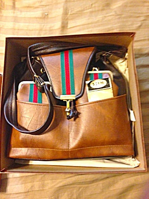 Unused Leather Purse w/Box (Image1)