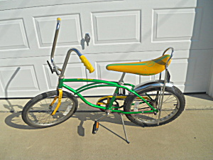 1970's Schwinn Stingray Bicycle Bike (Image1)