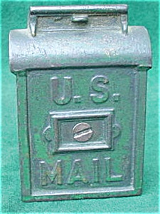 Old Cast Iron U.S. Mailbox Still Bank (Image1)