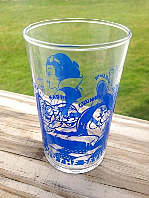 Walt Disney Snow White 7 Dwarves Glass (Image1)