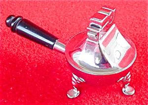 Novelty Serving Pan Cigarette Lighter (Image1)