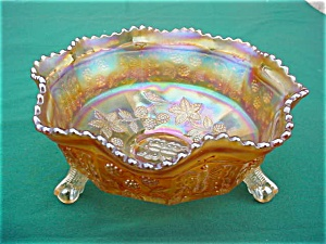 Fenton Carnival Butterfly & Berry Center Bowl (Image1)