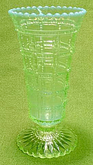 Imperial Beaded Block Green Bud Vase (Image1)