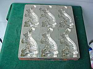 Early, Rabbitt Chocolate Mold (Image1)