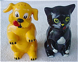 1960's F&F Dog & Cat S&P Shakers (Image1)