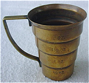Handled Brass Measuring Cup (Image1)